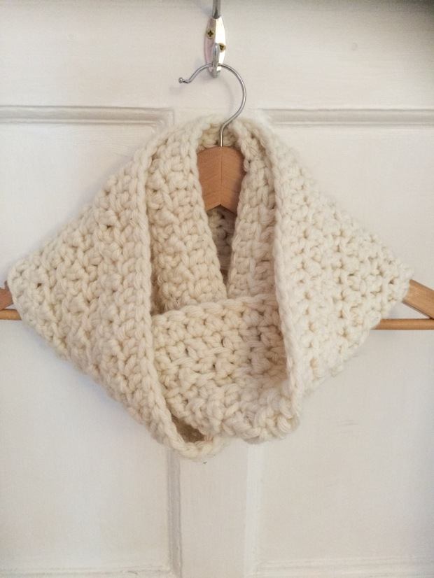 Free Pattern Simple Crochet Cowl | MyCraftyMusings