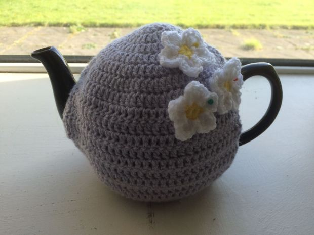 Tea Cosy With Flowers | MyCraftyMusings