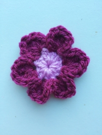 Large Simple Flower (200 Crochet Flowers, Embellishments & Trims) | MyCraftyMusings