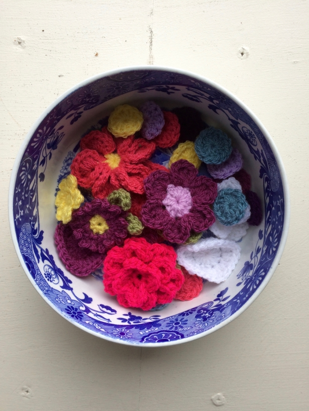 Bowl Of Crochet Applique Decorations | MyCraftyMusings