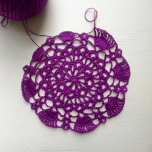 Double Pineapple Doily | My Crafty Musings