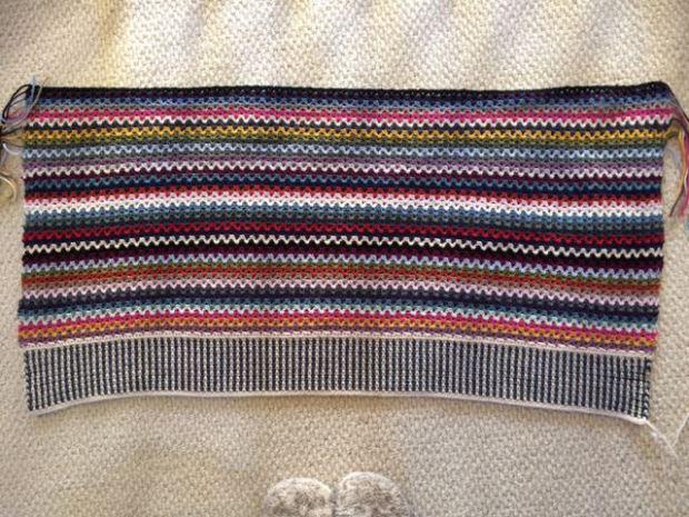 V-Stitch Crochet Blanket   MyCraftyMusings