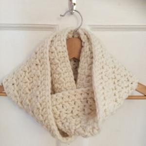 Free Crochet Chunky Cowl Pattern | MyCraftyMusings