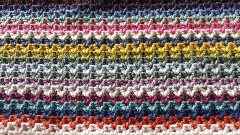 V-Stitch Crochet Blanket | My Crafty Musings
