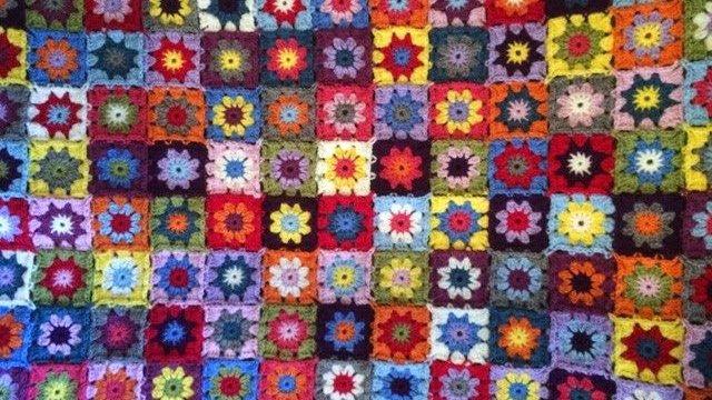 Summer Garden Granny Square Blanket | MyCraftyMusings